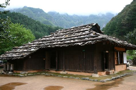 korea house file korea samcheok gulpijip bark shingled house 01 jpg wikimedia commons