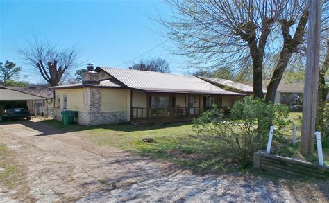 Home In Town For Sale In Yellville Ar Mountain And Ski   home in county seat town of yellville arkansas for sale