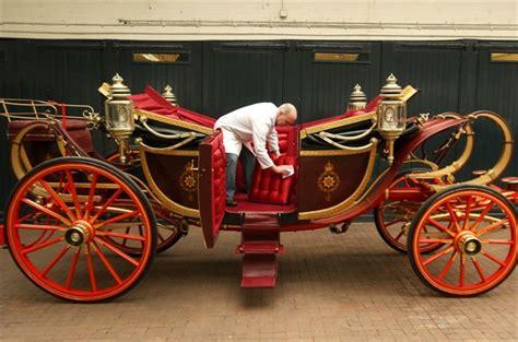 carrozza inglese matrimonio reale le auto e le carrozze verranno