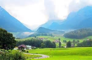hütte in den bergen mieten bayern landschaft in bayern berge seen wiesen und w 228 lder