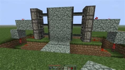 minecraft how to make sliding doors using sticky pistons