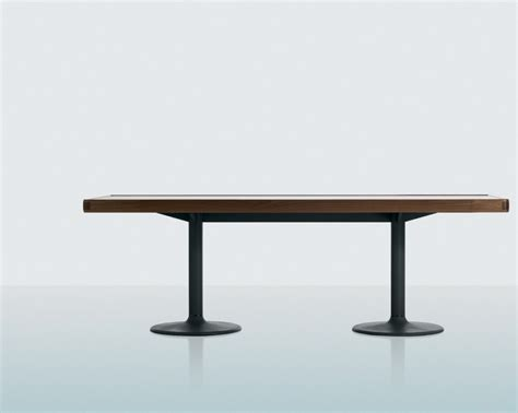 rectangular dining table lc11 p on a metal frame cassina
