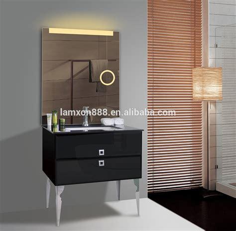 badkamerkastje met stopcontact badkamerkast met spiegel en verlichting