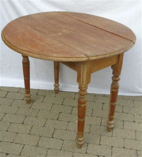 Spindle Leg Dining Table Antique Spindle Leg Drop Leaf Dining Table