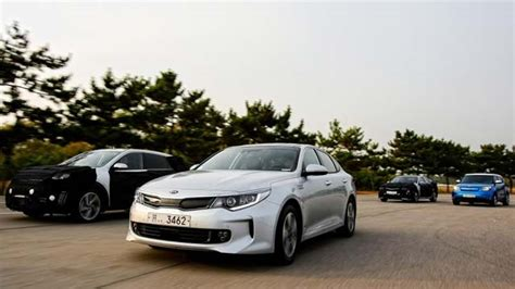 Kia Optima Phev 2020 by Kia To Launch Optima Phev Fuel Cell Vehicle By 2020