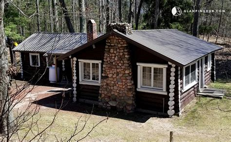 Cabins In Cadillac Mi by Family Friendly Log Cabin With Lake Views Near Cadillac Mi