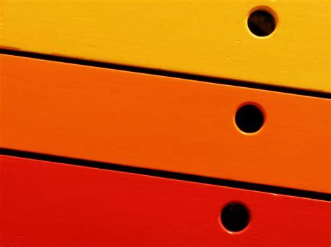 schrank mit geschenkpapier bekleben schrank mit folie bekleben 187 ausf 252 hrliche anleitung