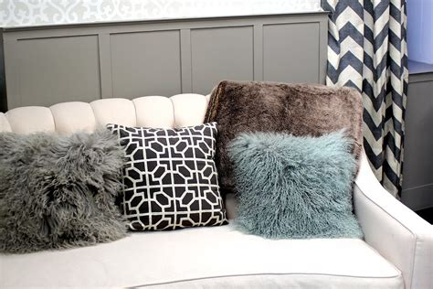 khloe kardashian couch pillows kourtney kardashian s home inspiration video popsugar home