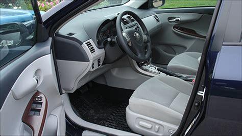 2012 toyota corolla le review   auto123.com