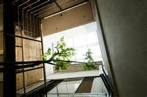 Small Home Ventilation Small Home Maximizes Space And Ventilation Using A Cool Atrium