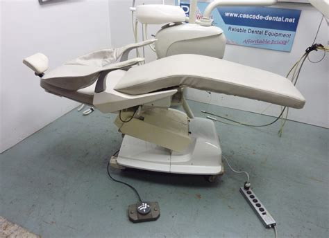 belmont dental chair light belmont bel 20 dental chair w delivery unit and light