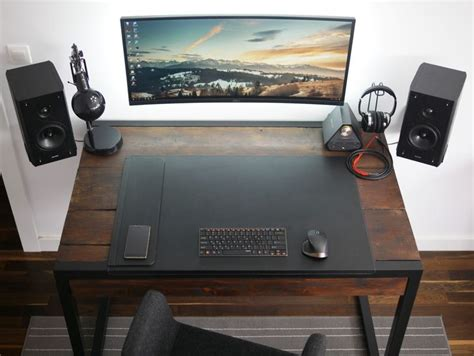 desk gaming setup best 25 desk setup ideas on office desk