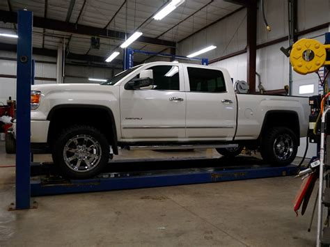 gmc 1500 tires 2014 gmc 1500 20x10 gear alloy toyo lt33x12 5r20