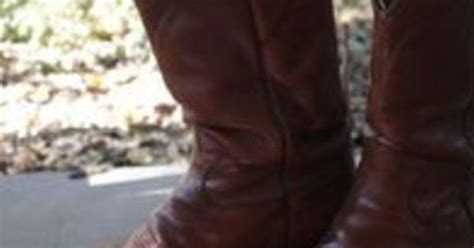how to stretch cowboy boots how to stretch leather cowboy boots cowboy boots and cowboys