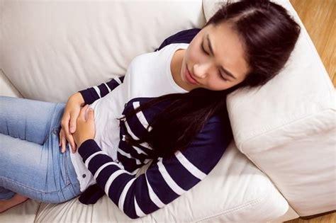 Rahim Wanita Saat Menstruasi 6 Cara Mudah Ini Bisa Atasi Kram Perut Saat Haid Lho