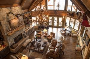 Amazing Spaces Treehouse - 6 luxury hunting lodges everyone would like to visit wide