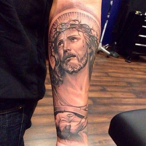 tattoo de jesus en el antebrazo tatuajes de cristo ideas originales para tu tattoo de cristo