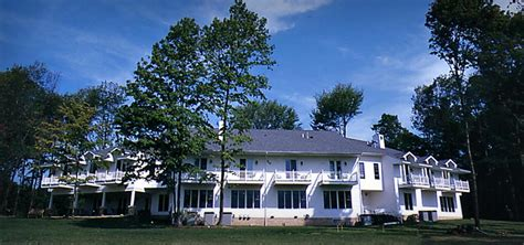 brton bed and breakfast inn bed and breakfast in burton ohio red maple inn