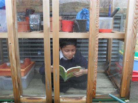 A Place To Read Haring Class Reading In Places Mayflower Primary School