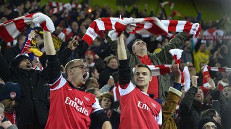 Arsenal Olahraga gelandang muslim arsenal cetak sejarah olahraga jpnn