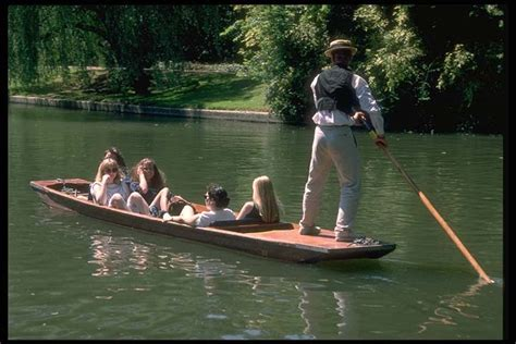 punt a boat punting