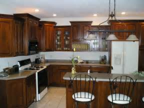 awesome Kitchen Cabinets With Crown Molding #1: kitchen-molding-3.jpg