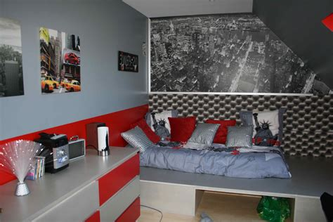 Formidable Inspiration Chambre Ado Fille #5: 05338288-photo-chambre-new-york-moderne-noir-gris-rouge.jpg