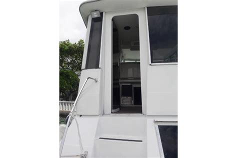 luxury boat rentals ta fl rent a carver 500 50 motorboat in miami beach fl on sailo
