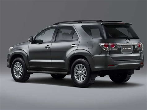 Fortuner J 657 Black White motioncars autobuzz toyota philippines launches upgraded fortuner and hilux