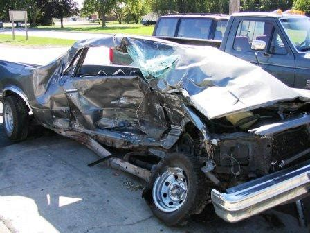 How do I calculate a total insurance loss for my car