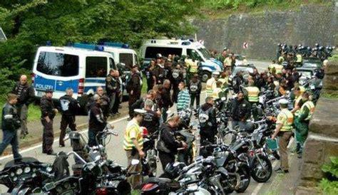 Motorradclub Frankfurt Oder by Polizei Trennt Rockergruppen Gremium Mc Und Hells Angels
