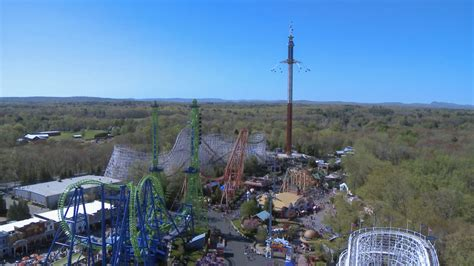 tallest swing ride in the world new skyscreamer ride at six flags new england inspires