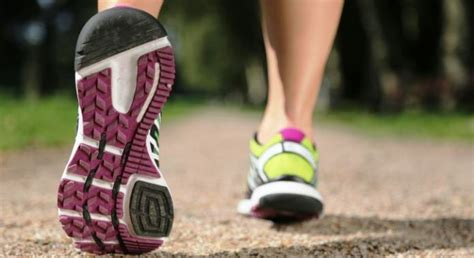 best athletic shoes for knee best running shoes for knee in 2017 and