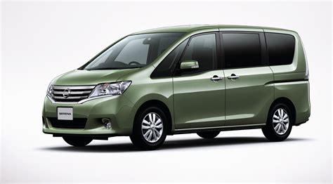 nissan caravan 2011 2011 nissan serena minivan makes its introduction in japan