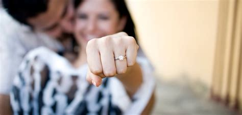 should i buy a solitaire or other engagement ring