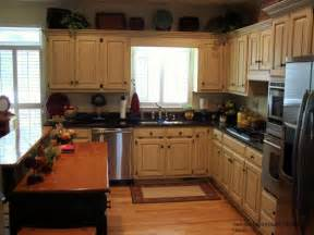 Off White Painted Kitchen Cabinets by Off White Kitchen Cabinets With Glaze Glazed Cabinets