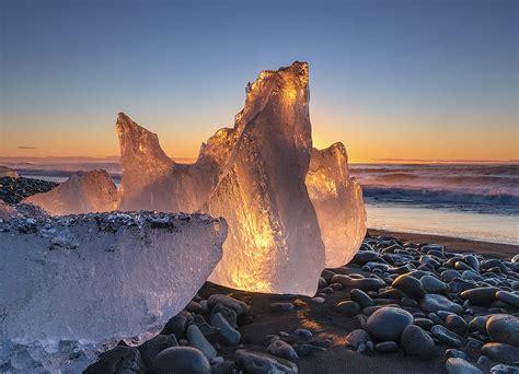 black sand 3 5 an icy sunrise j 246 kuls 225 rl 243 n iceland sunrise through