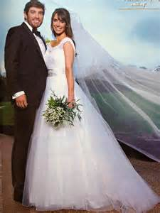 Alex jones weddding dress sassi holford mimi high society bridal