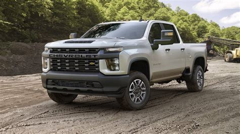 Chevrolet For 2020 by 2020 Chevrolet Silverado Hd Is A 35 500 Pound Tow