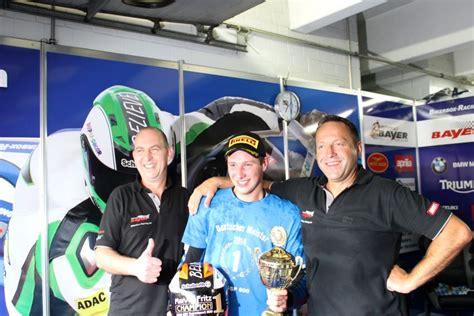 Motorrad Bayer Jakob marvin fritz dominiert und wird idm supersport meister