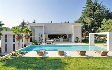 House Plans With Pools by Modern Villa With Pool
