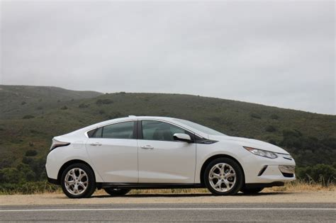 nissan leaf vs chevy volt 2016 chevrolet volt drive in california july 2015