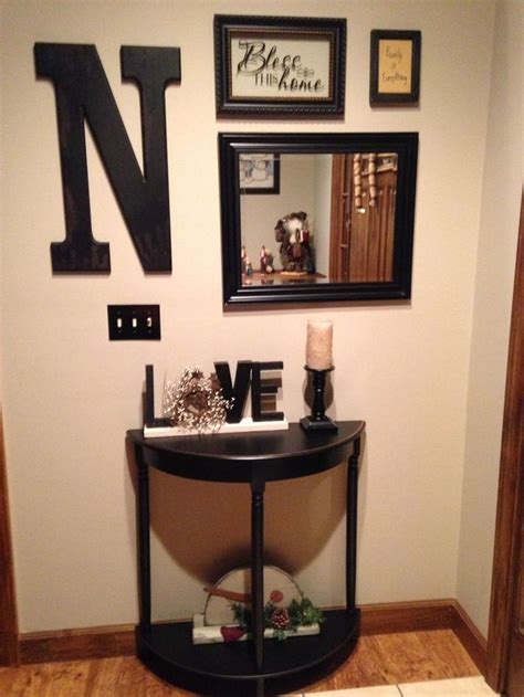 Small Table Ls For Foyer by Best 25 Small Entryway Tables Ideas On Small