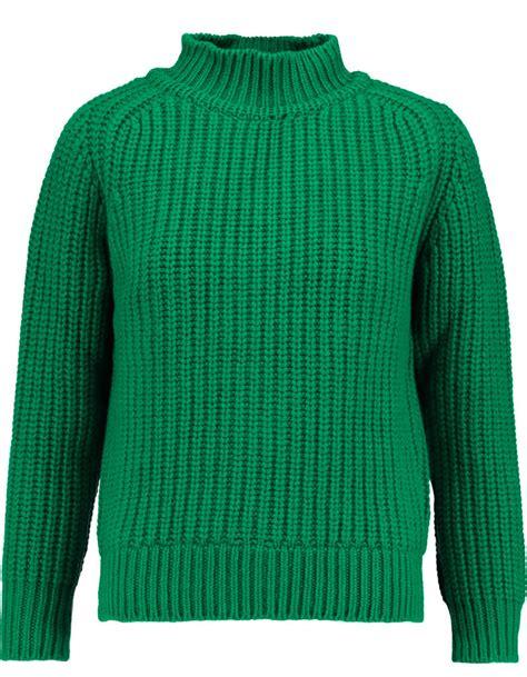 pull en laine vert maison kitsune 30 pulls en laine pour 234 tre au chaud tout l hiver elle