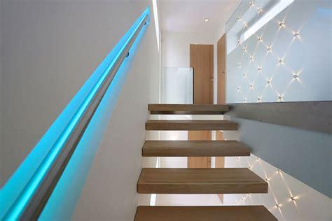 corrimano scala interna illuminazione per scale interne 30 idee originali con