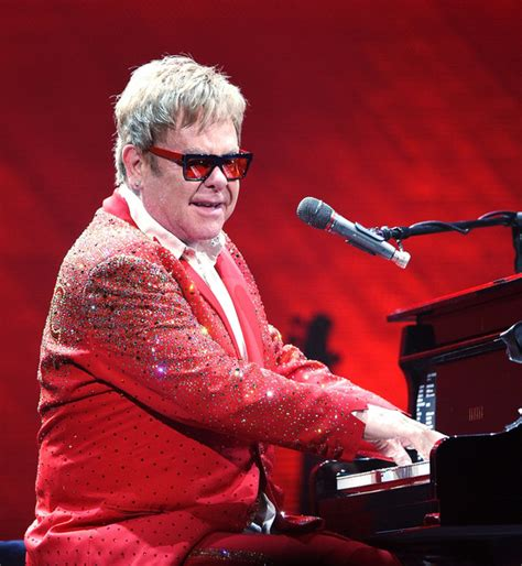 elton photos photos elton performs his