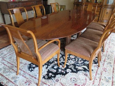 Estate Sale Dining Room Furniture by Dining Room Table And Chairs 2 Find Estate Sales Estate