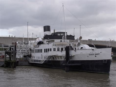thames river cruise history file the queen mary on the river thames by the victoria
