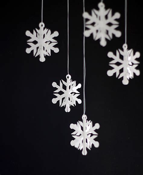 Easy Paper Snowflakes - easy 3d snowflake ornaments