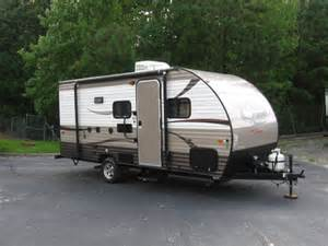 Pop Up Camper Awning Rent A 20 Small Travel Trailer Bunks Rv Rental